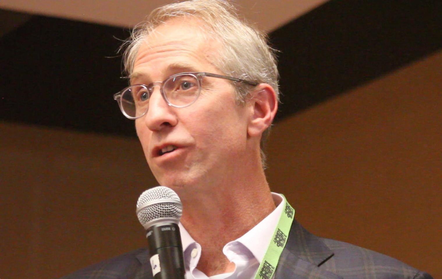 Seth Goldberg, Duane Morris Law Firm, habla en la Cumbre del Cáñamo de PA